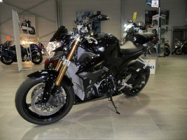 UNE GSR 1000 R DE 2008